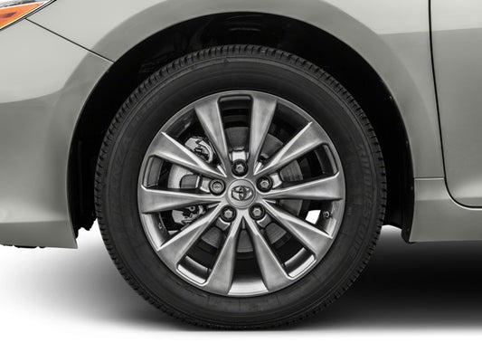 2017 toyota camry tire size